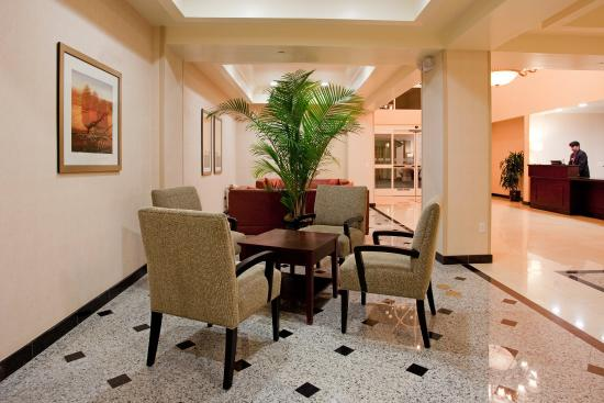 Holiday Inn Express Hotel & Suites Los Angeles Airport Hawthorne: Hotel Lobby
