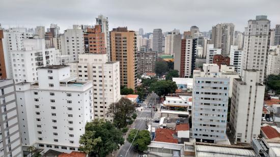 Hotel Mercure SP Moema: Vista de uma fachada/apartamento do hotel