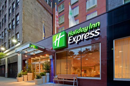 Holiday Inn Express New York City Times Square: Exterior