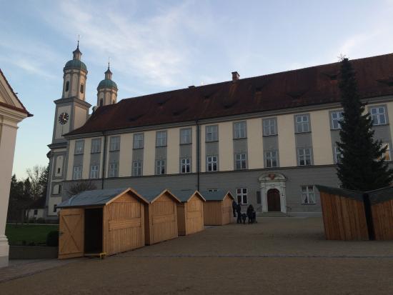 Allmannshofen, Allemagne : Kloster Holzen