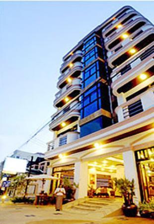 Arimana Hotel: Exterior View