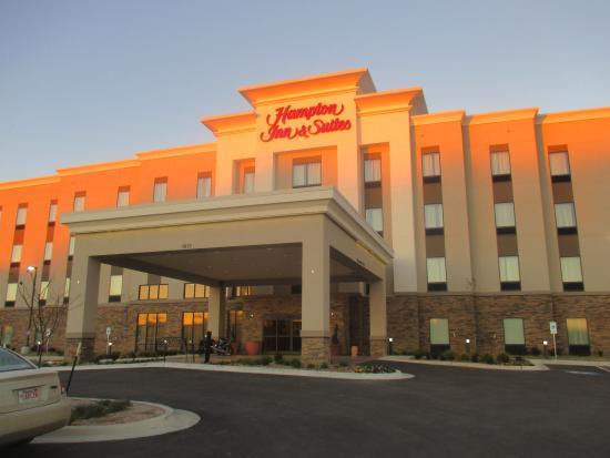 Hampton Inn Suites Claremore Front Entrance