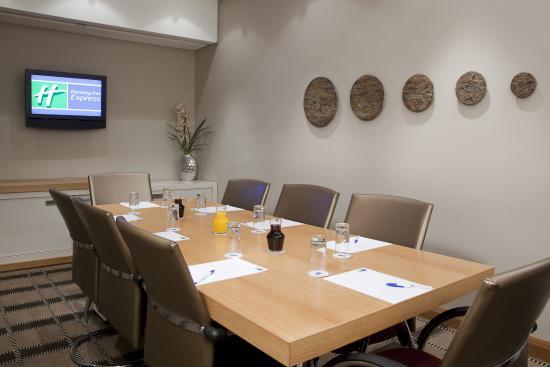 Holiday Inn Express Sandton-Woodmead: Meeting Room