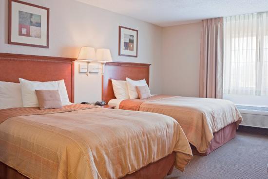 Nogales, AZ: Queen Bed Guest Room