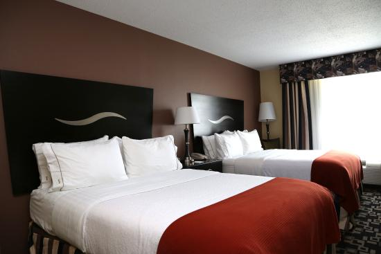 Holiday Inn Express Lexington-North Georgetown: Double Bed Guest Room