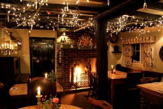 Coleman's Hatch, UK: Cosy Christmas Celebrations