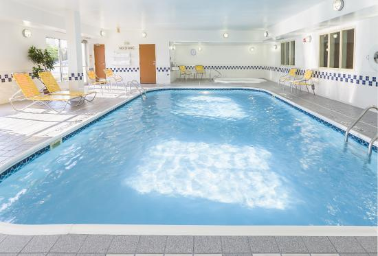 Fairfield Inn & Suites Grand Rapids : Indoor Heated Pool & Hot Tub