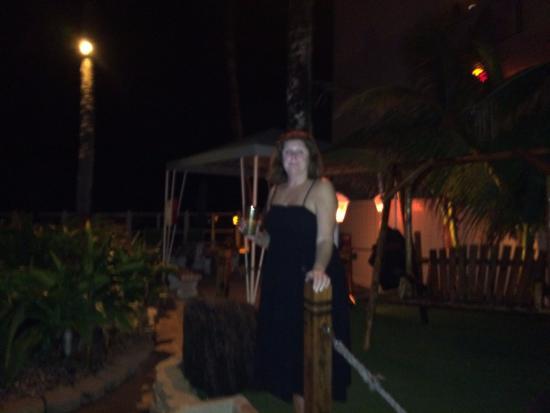 Windjammer Resort: Jo on our midnight walk to beach.