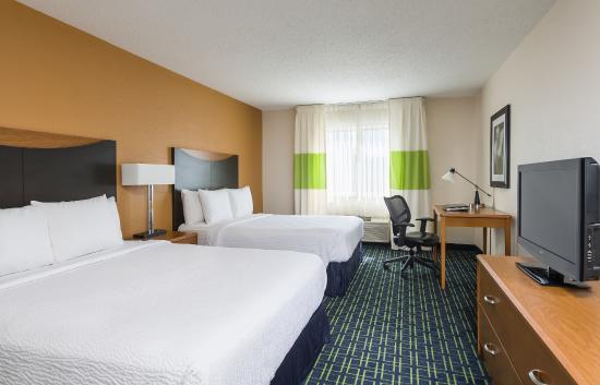 Fairfield Inn & Suites Grand Rapids: Queen/Queen Guest Room