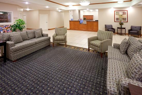 Candlewood Suites Longview: Hotel Lobby