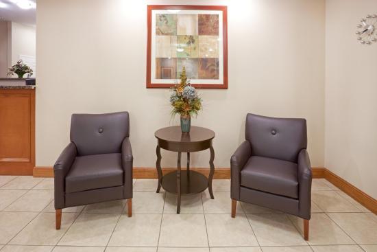Candlewood Suites Longview: Reception