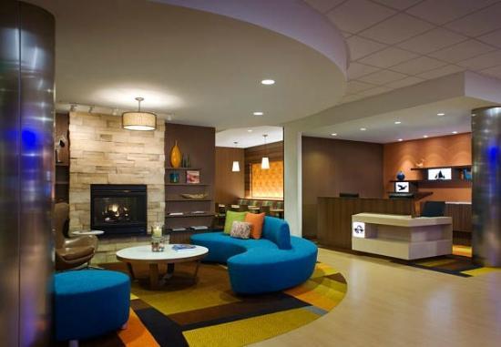 Lobby Picture Of Fairfield Inn Suites Los Angeles Lax El Segundo El Segundo Tripadvisor