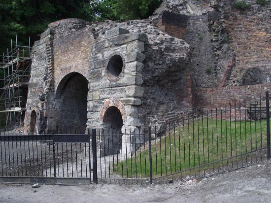 The Iron Bridge and Tollhouse: Bedlam Furnace