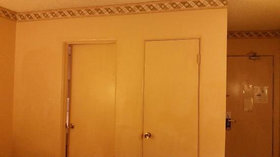 Fleshy Colored Walls Doors And Trim