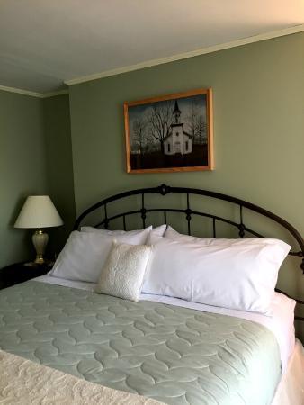 "Jacob Rohrbach Inn: Our room - the ""Clara Barton Suite"""