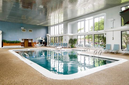All Seasons Resort: Indoor Pool
