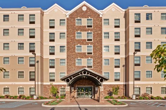 Staybridge Suites Buffalo/West Seneca: Hotel Exterior