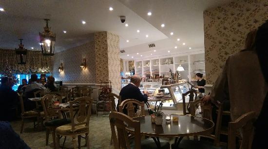 Best Breakfast In Bruges Cafe