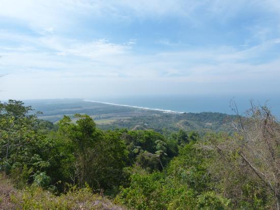 Playa Hermosa Wildlife Refuge: вид на Плая хермоза с высокой точки