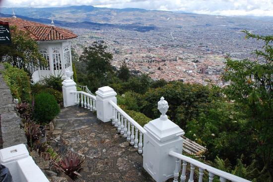 Holiday Inn Express Bogota: Monserrate View