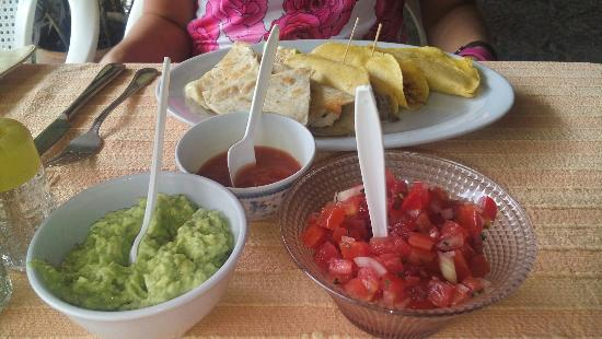 Antojitos Mexicano: 20151204_152147_large.jpg