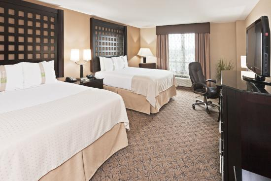 Holiday Inn Hotel & Suites Tulsa South: Queen Bed Guest Room