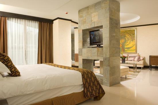 The Royal Corin Thermal Water Spa & Resort: Master Suite