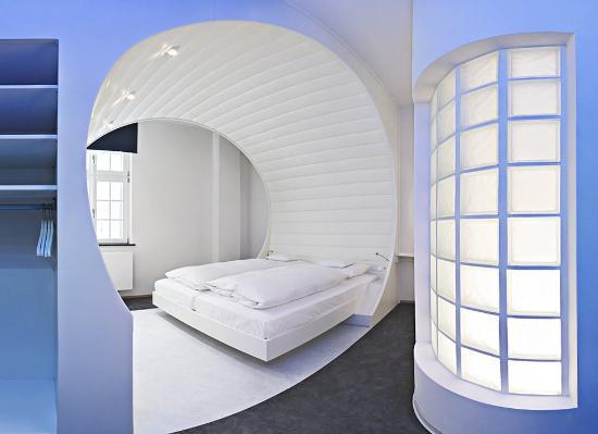 V8 Hotel Motorworld Region Stuttgart Boblingen. Oportunidades de ...
