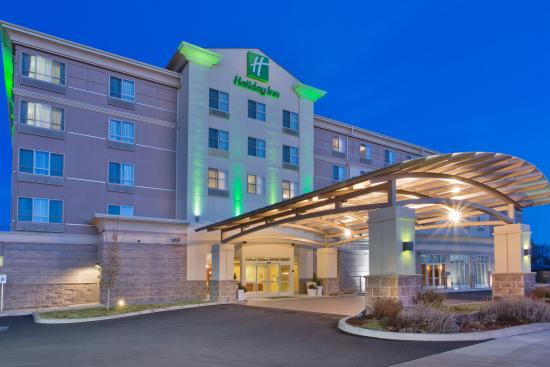 Holiday Inn Yakima: Hotel Exterior