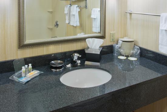 Yakima, WA: Executive Guest Bathroom Sink