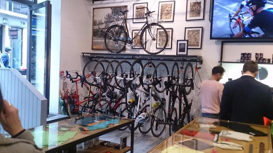 London Cycling Club >> Interior Da Loja Picture Of Rapha Cycle Club London