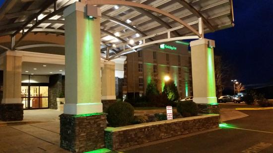 Kulpsville, Пенсильвания: Our recently renovated Holiday Inn has 182 guest rooms