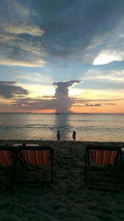 Lanta Nature Beach Resort: IMAG1093_large.jpg
