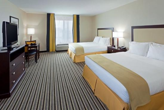 Holiday Inn Express Hotel & Suites Batavia - Darien Lake: Standard Two Queen Bed  Non Smoking