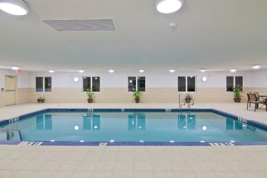 Hampton Inn by Hilton Fort Saskatchewan: Swimming Pool