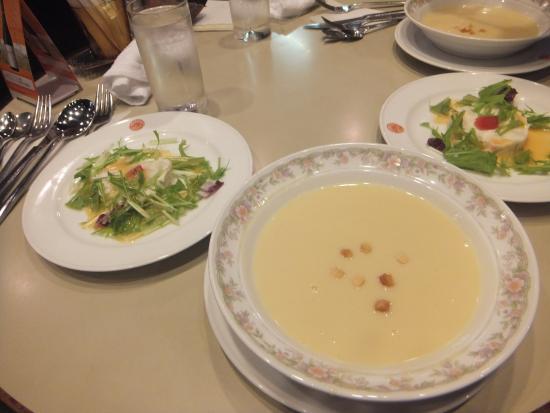 Restaurant Kikusui : サラダ・スープ