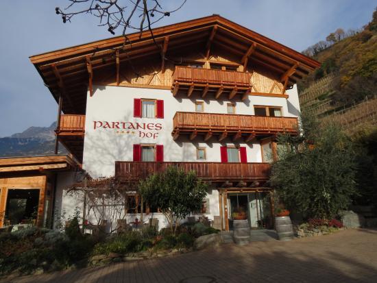 Hotel Garni Partaneshof: Entrata.
