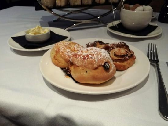 Dieci: Scones and pastry