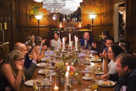 Fleischmanns, État de New York : Wedding Dinner