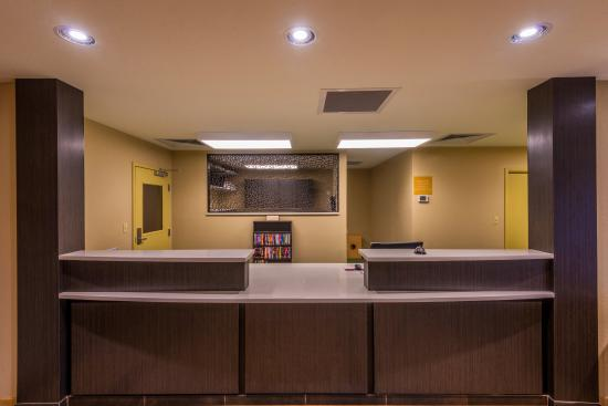Del City, OK: Front Desk