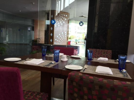 Four Points by Sheraton Visakhapatnam: The restaurant