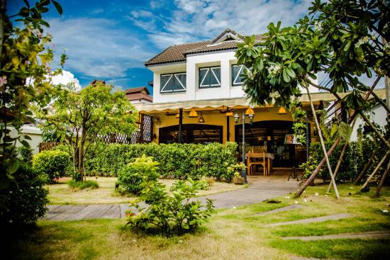 La terrasse, chiang mai   restaurant reviews, phone number ...
