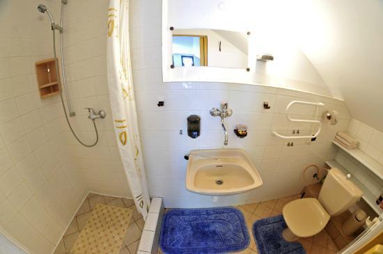 Pension 444: koupelna