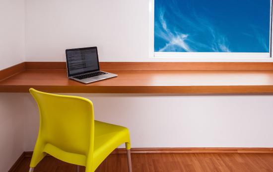 One Oaxaca Centro: Working Desk