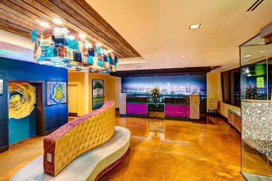 Hotel Rose - A Piece of Pineapple Hospitality : Lobby view