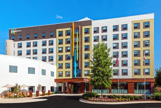 even hotel rockville md hotel reviews tripadvisor. Black Bedroom Furniture Sets. Home Design Ideas