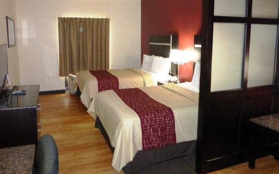 Red Roof PLUS+ & Suites Chattanooga - Downtown : Double Suite