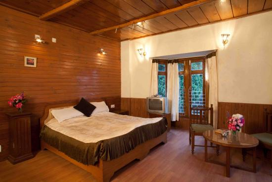 Brentwood 39 s sanctuary mussoorie inn reviews photos - Mussoorie hotels with swimming pool ...