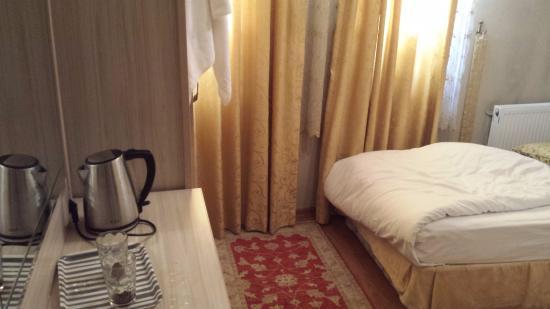 Tashkonak Hotel: Room on the first floor