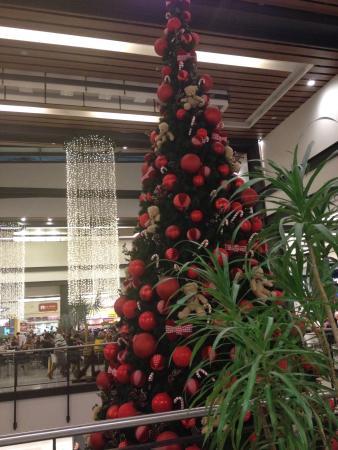 Fachada e decoração de Natal. - Picture of Shopping Nova America ... 2bc22acae6b